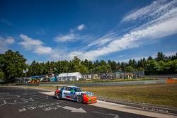 #67 Teichmann Racing Porsche 911 GT3 Kupası: Dominik Brinkmann, Felipe Laser