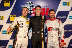 Pole kazananı Kevin Estre ve ikinci sıra Maxime Martin ve üçüncü sıra Christian Mamerow