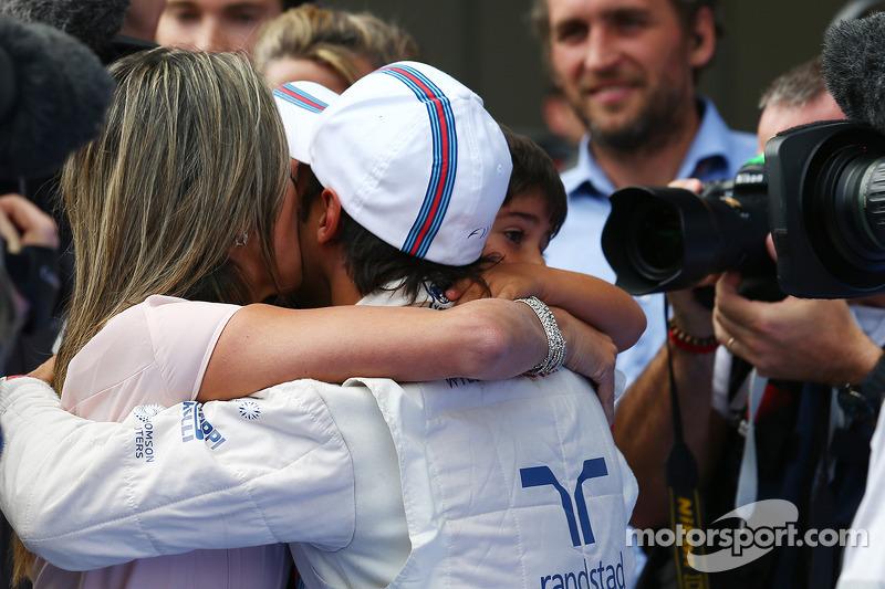 Felipe Massa, Williams with his son Felipinho Massa, wife Rafaela Bassi (BRA)