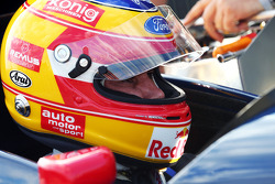 Karl Wendlinger, reunited with his old Sauber F1 Car