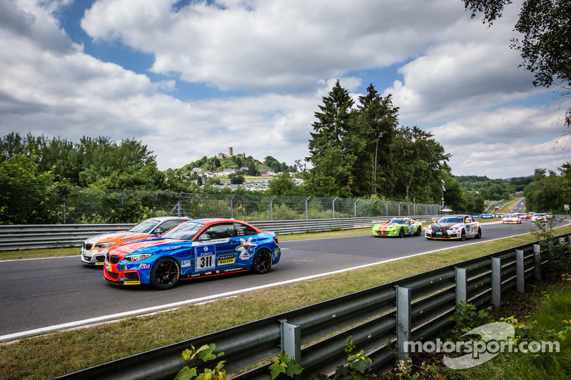 Via: #311 BMW M235i Racing: Michele di Martino, Olivo Jannik, Markus Maier, Michael Hess