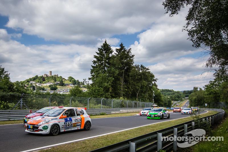 Via: #145 Renault Clio RS: Xavier Lamadrid Jr., Xavier Lamadrid Sr., Massimiliano Girardo, Nicolas Abril