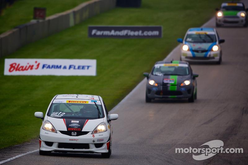 #12 Drive4Diabetes/Garrett Racing 本田 Fit
