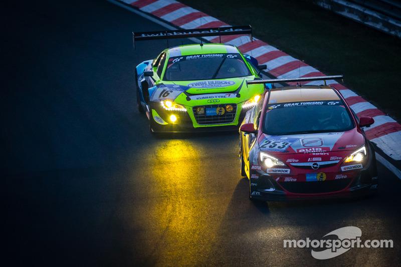 #253 Opel Astra OPC: Max Hackländer, Christian Gebhardt, #16 Twin Busch Motorsport Audi R8 LMS ultra