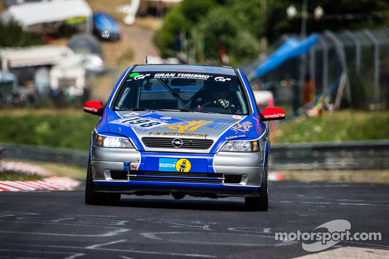 #198 Opel Astra OPC: Thomas Lennackers, Christoph Brune, Amanda Hennessy, Robert Dubler