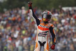 Il vincitore della gara Marc Marquez, pilota del Repsol Honda Team HRC