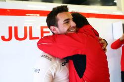 Jules Bianchi, Marussia F1 Team festeggia durante le qualifiche