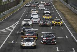 Largada: #28 Grasser Racing Team Lamborghini LFII: Hari Proczyk, Jeroen Bleekemolen lidera