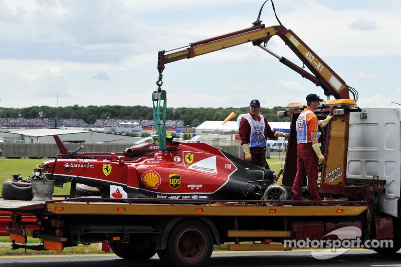 Розбитий болід Кімі Райкконена, Scuderia Ferrari