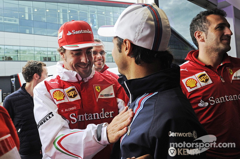 Felipe Massa, Williams, 200. GP'sini kutluyor ve Fernando Alonso, Ferrari