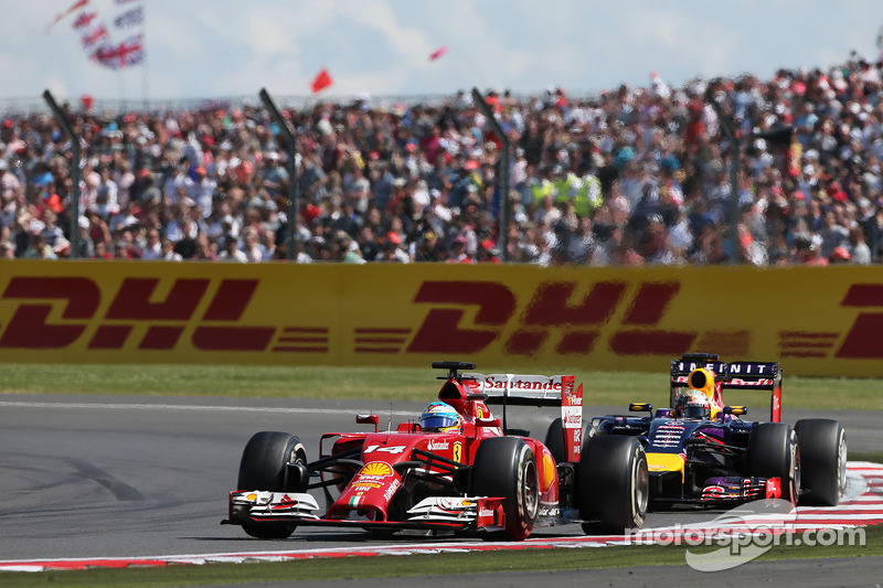 Fernando Alonso, Ferrari F14-T ve Sebastian Vettel, Red Bull Racing RB10