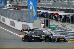 宝马Schnitzer车队驾驶宝马M4 DTM赛车的布鲁诺·施平格勒