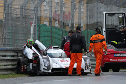 Aftermath of the crash of the #3 Audi Sport Team Joest Audi R18 E-Tron Quattro: Filipe Albuquerque, Marco Bonanomi, Oliver Jarvis