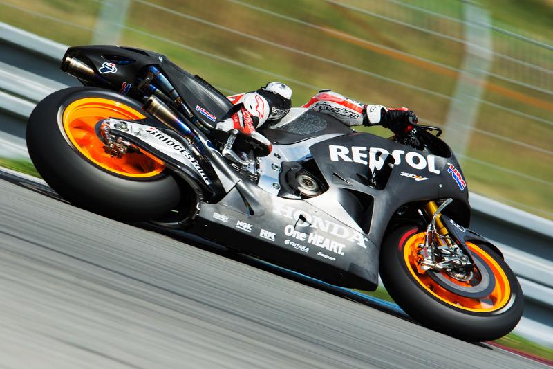 Dani Pedrosa, Repsol Honda Takımı 2015 motorunu test ediyor