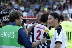 Birgit Prinz, Eski Dünya Şampiyonu Kadın Futbolcu, pilotlar vs. all stars, Kick for Kinder yardım maçında