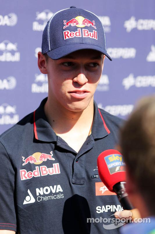 Daniil Kvyat, Scuderia Toro Rosso com a mídia