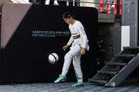 Nico Rosberg, Mercedes AMG F1 plays football