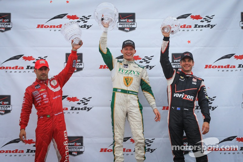 Podium: Tony Kanaan, Chip Ganassi Racing Chevrolet and Mike Conway, Ed Carpenter Racing Chevrolet and Will Power, Penske Racing Chevrolet