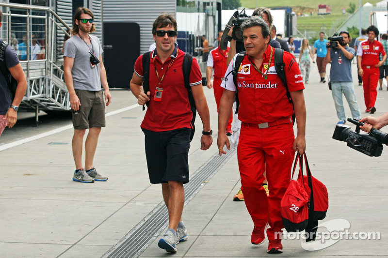 Fernando Alonso, Ferrari with Fabrizio Borra, Ferrari Physio