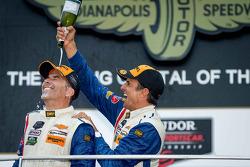 领奖台:比赛获胜者 Joao Barbosa,和Christian Fittipaldi