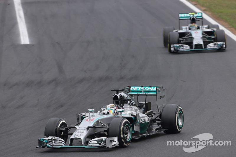 Lewis Hamilton, Mercedes AMG F1 Team; Nico Rosberg, Mercedes AMG F1 Team