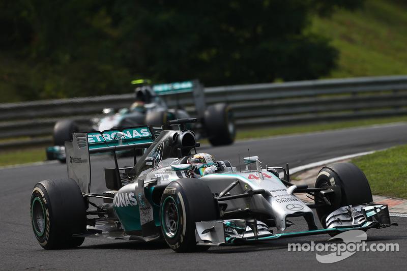 Lewis Hamilton, Mercedes AMG F1 leads Nico Rosberg, Mercedes AMG F1 W05