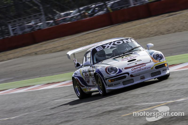 #24 保时捷 993 GT2 R Evo: Henry Pearman