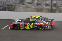 Race winner Jeff Gordon, Hendrick Motorsports Chevrolet