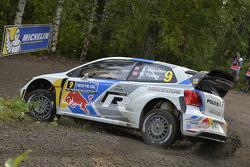 大众车队驾驶大众Polo WRC的安德烈亚斯·米克尔森和欧拉·弗洛尼
