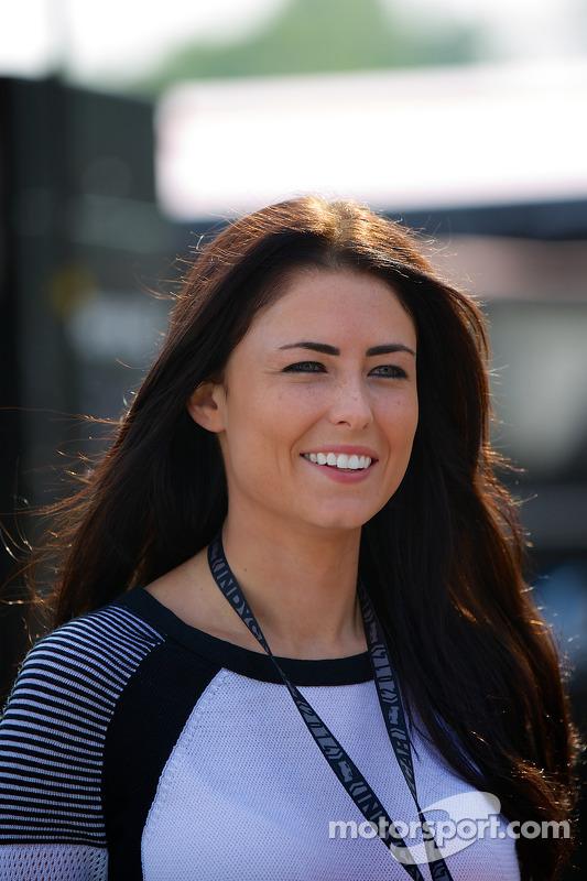 Kirsten Dee