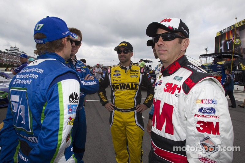 Marcos Ambrose, Richard Petty Motorsports Ford and Greg Biffle, Roush Fenway Racing Ford and Carl Edwards, Roush Fenway Racing Ford