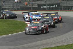 Ryan Dalziel, Porsche 911 GT3 lidera primeira volta