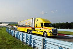 潘世奇福特车队的乔伊·罗加诺的货柜车