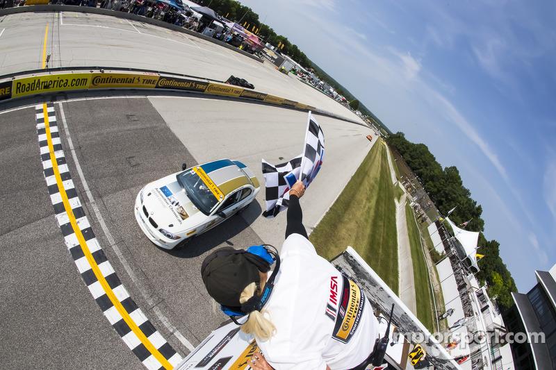 #23 Burton Racing 宝马 128i: 特里·博尔切勒, 迈克·拉马拉 获得组别胜利