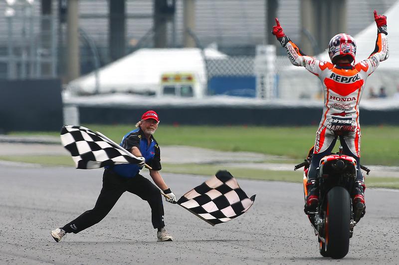 A sequência terminou com o triunfo em Indianápolis. Àquela altura, estava claro que Márquez não teria adversários na luta pelo título e o bicampeonato foi confirmado no Japão.