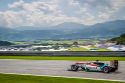 Prema Powerteam车队驾驶达拉拉F312梅赛德斯赛车的丹尼斯·范·德·拉尔