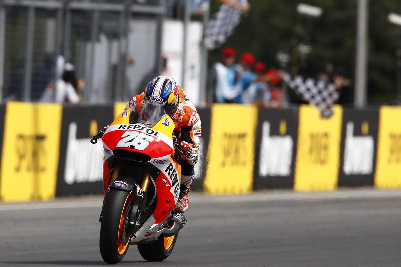 Dani Pedrosa, Repsol Honda Takımı galibiyete ulaşıyor