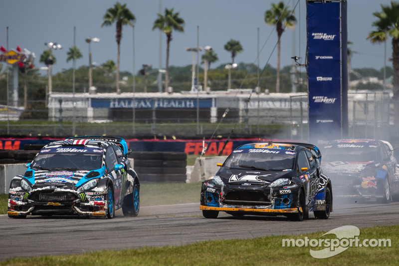 #14 Barracuda Racing Ford Fiesta ST: Austin Dyne e #43 Hoonigan Racing Division Ford Fiesta ST: Ken Block battle