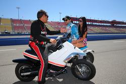 Sage Karam, Dreyer & Reinbold Kingdom Racing Chevrolet andJames Hinchcliffe, Andretti Autosport Honda