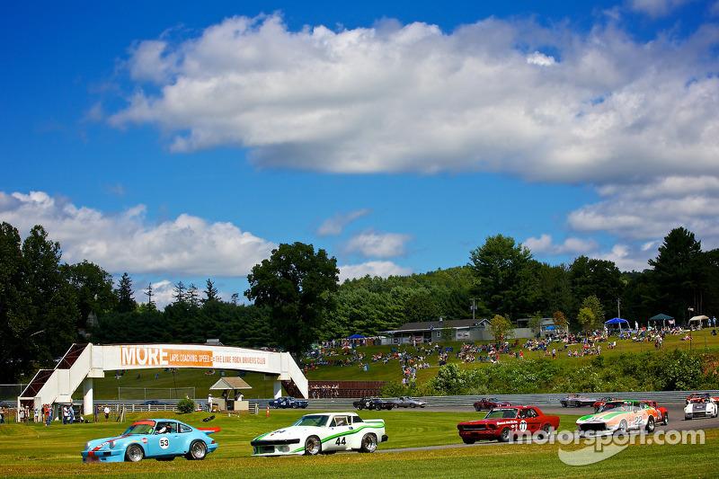 1979 Porsche 911 at race start