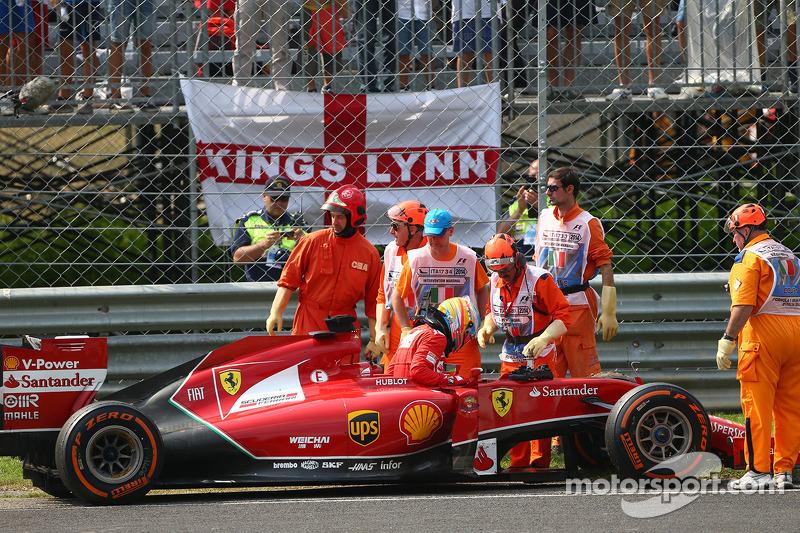 Fernando Alonso, Ferrari yarış dışı kalıyor