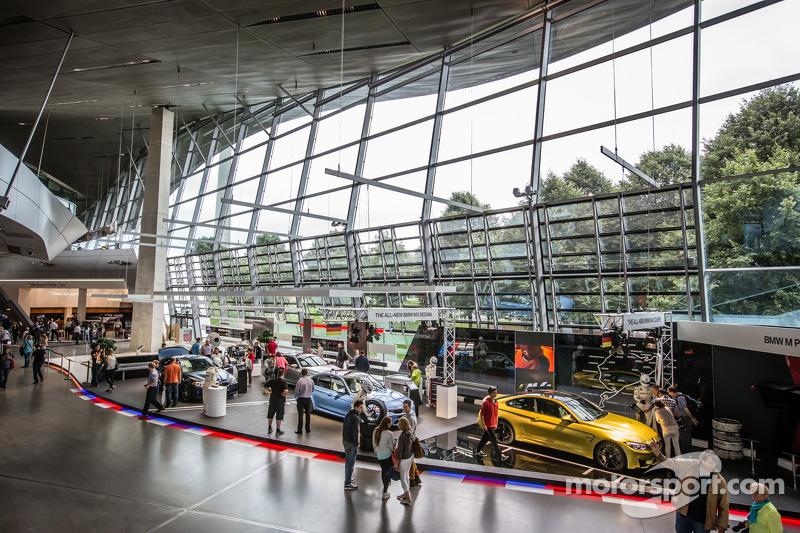 Dentro al mondo BMW