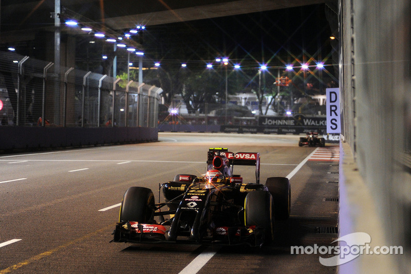 Pastor Maldonado, Lotus F1 E21 choca contra el muro