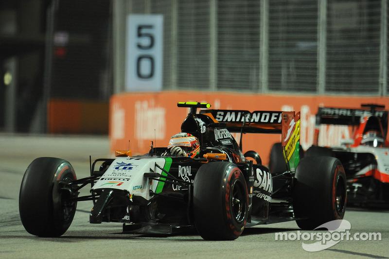 Sergio Perez, Sahara Force India F1 VJM07, con l'ala anteriore danneggiata