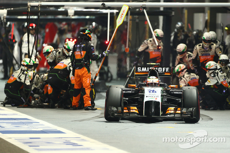 Sergio Perez, Sahara Force India F1 VJM07 pit stop