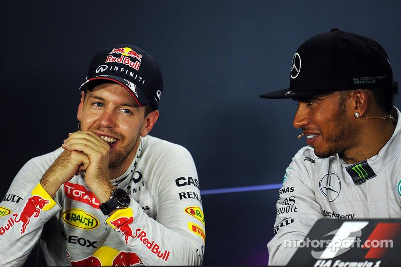 Sebastian Vettel, Red Bull Racing y Lewis Hamilton, Mercedes AMG F1 en la conferencia de la FIA