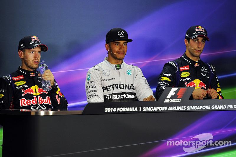 Conferenza stampa della FIA post gara, Red Bull Racing, secondo; Lewis Hamilton, Mercedes AMG F1, vi
