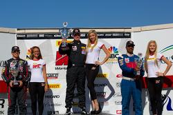 TC组获胜者领奖台: 第二名 Steven Doherty, 第一名 Adam Poland,和第三名 Michael Petti福特