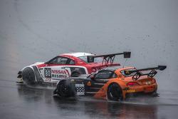 #80 日产 GT学院车队 RJN 日产 GT-R Nismo GT3: 尼克·麦克米伦, 弗洛里安·斯特劳斯, 阿历克斯·本库姆 和 #888 Triple 888 Racing 宝马 Z4: 约迪