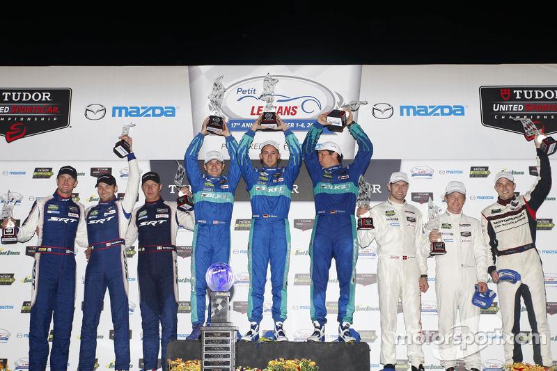 GTLM podio: vincitori Lupo Henzler, Sellers Bryan, Marco Holzer, il secondo posto Patrick Long, Mich